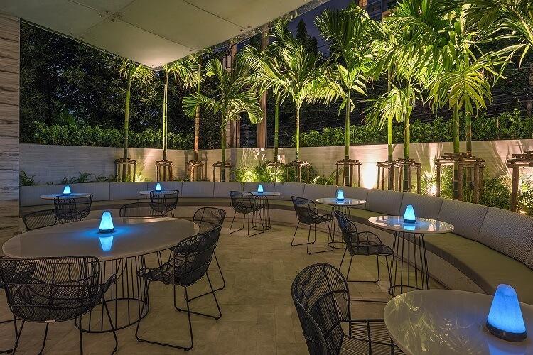 Open Restaurant DoubleTree Hilton Bangkok Ploenchit